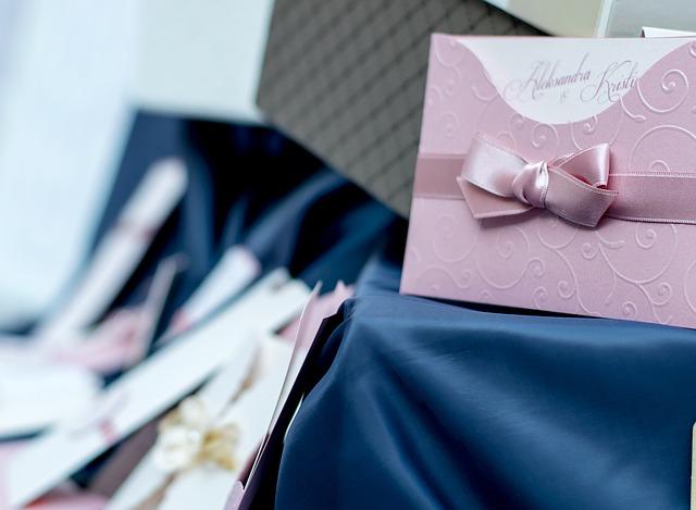 Cómo crear las invitaciones de boda perfectas