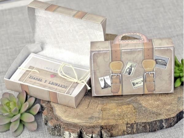 invitación de boda original en forma de caja