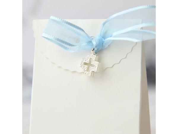 Cruces con lazo azul