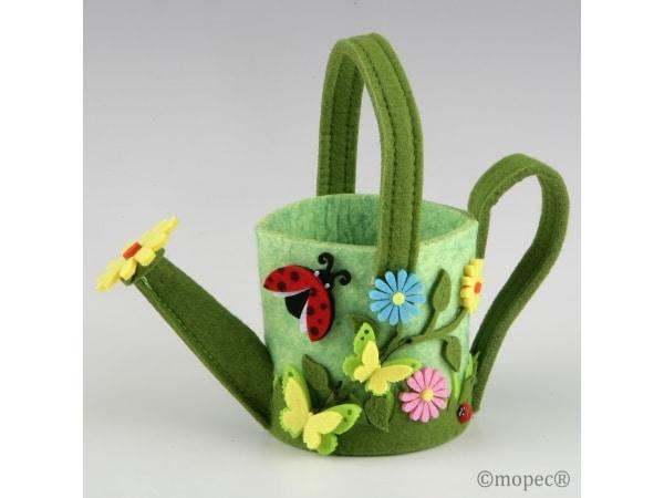 Regadera mariquita con flores