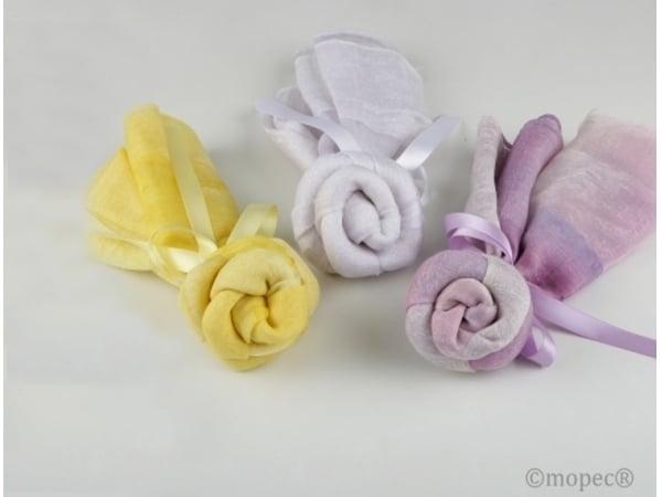 Detalle de boda foular en flor