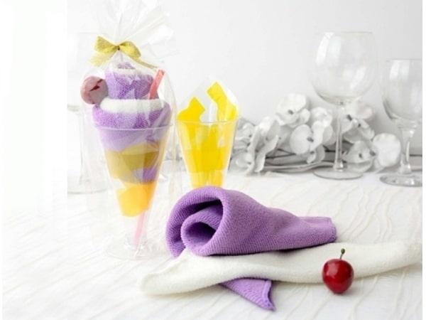 Detalle de boda toalla pastel de algodón