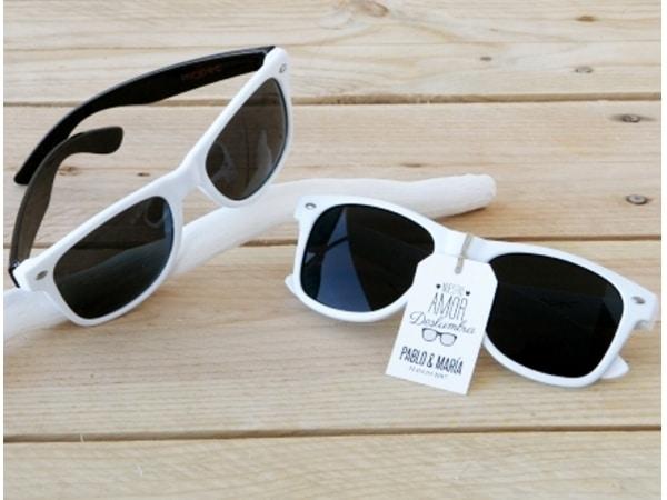 Detalle de boda gafas de sol