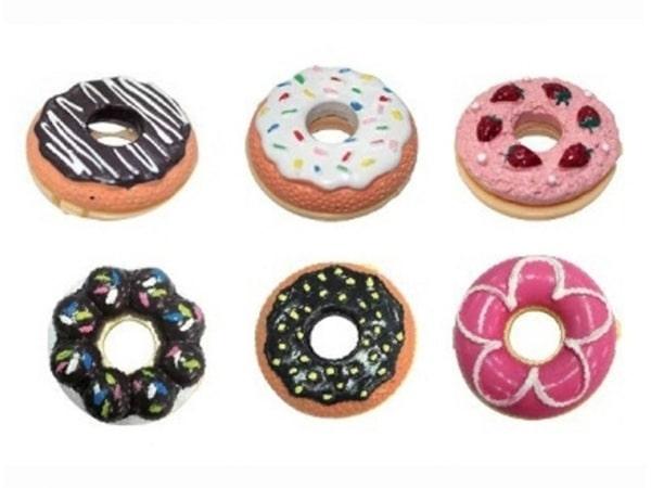 Detalle de boda bálsamo labial donut
