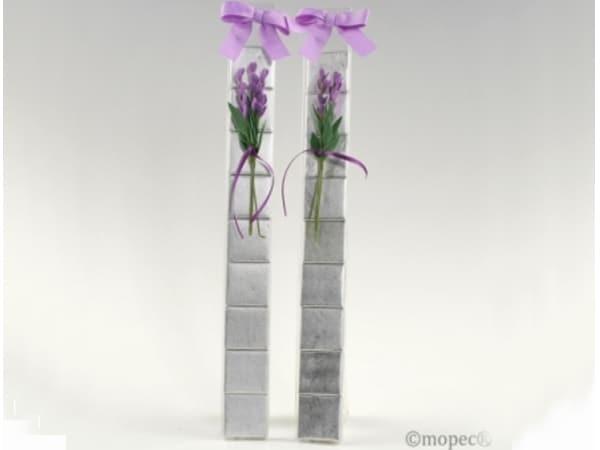 Detalle de boda tira  flor lavanda + 9 chocolatinas