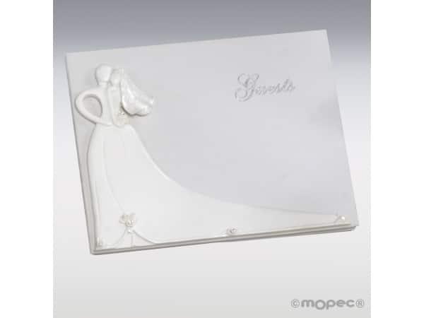 Detalle de boda libro de firmas pareja-corazón