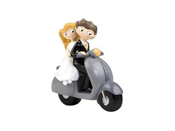Figura pastel novios en scooter