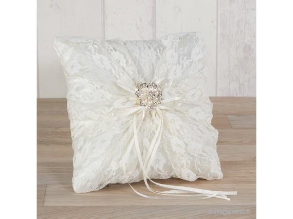 Cojín alianzas con blonda y broche flor de perlas +