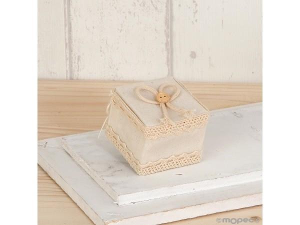 Cajita marfil con cordel y botón 5x4x5 cm
