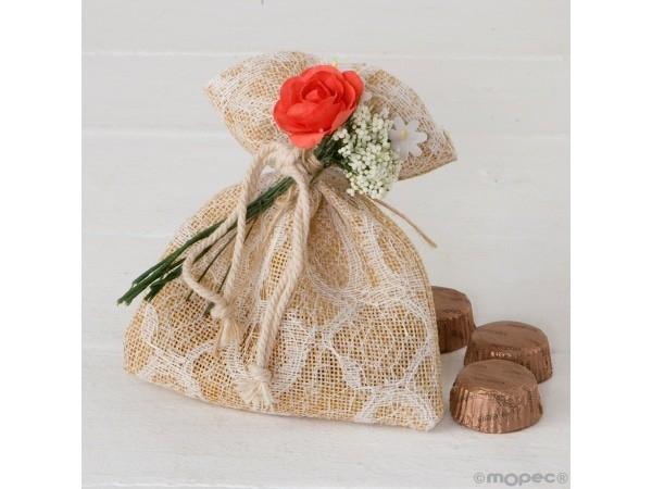 Bolsa burlap blonda marfil 3 bombones bouquet flores