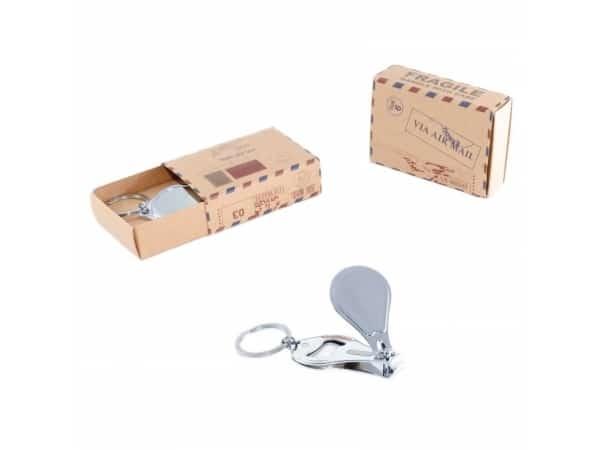 Caja postal llavero cortauñas