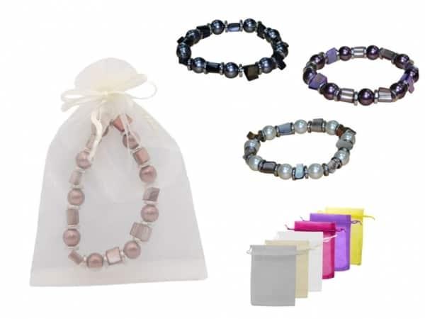 Pulsera de perlas de color + bolsa de tul